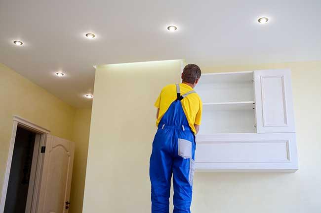 Comment installer des spots au plafond ?